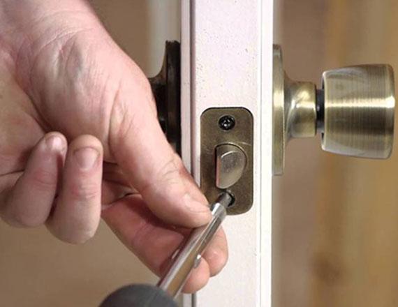 Instalaci n de chapas y cerraduras en medell n envigado y for Donde venden puertas